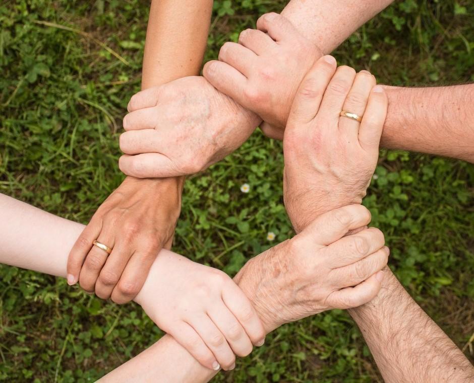 Extended family_team spirit_WEB