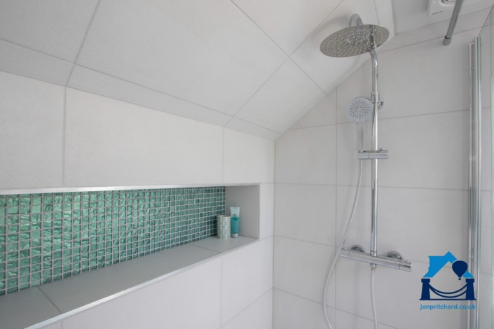 170111_71TheDell_Ensuite3_landscape_Shower&Recess_WEB